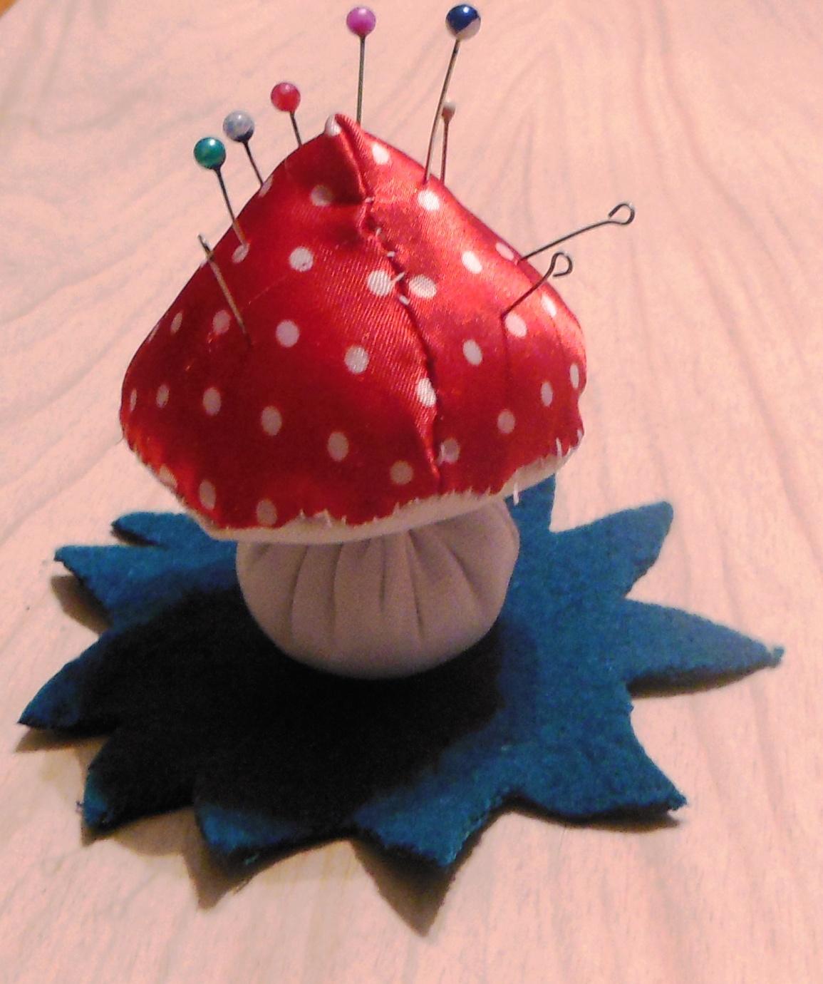 Выкройка грибов. Как сшить игрушку гриб своими руками / Мастер 70